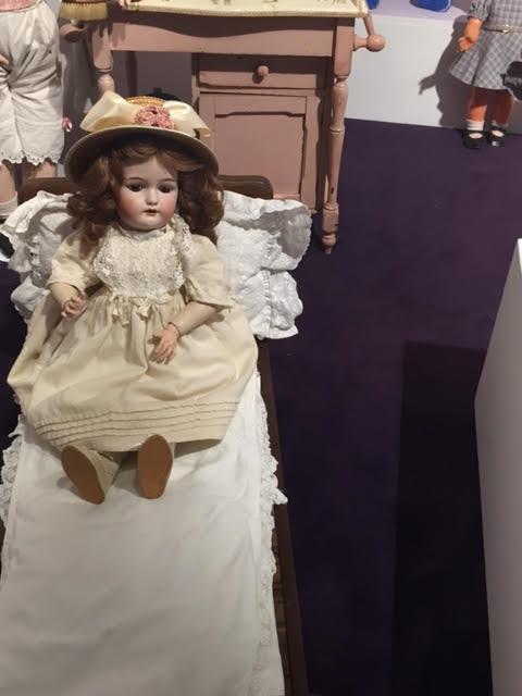 בובה מיוחדת או קריפית?