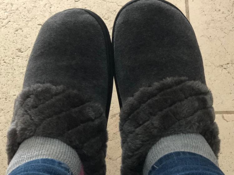 נעלי בית מושלמות בתחושה של צעידה על ענן